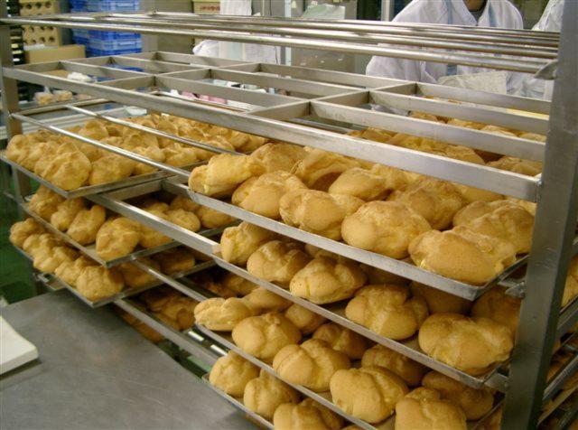 いかりスーパーマーケット 洋菓子工場(中途)の画像・写真